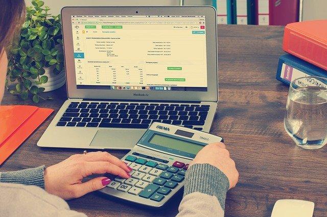 Descubre un curso de finanzas en línea gratis