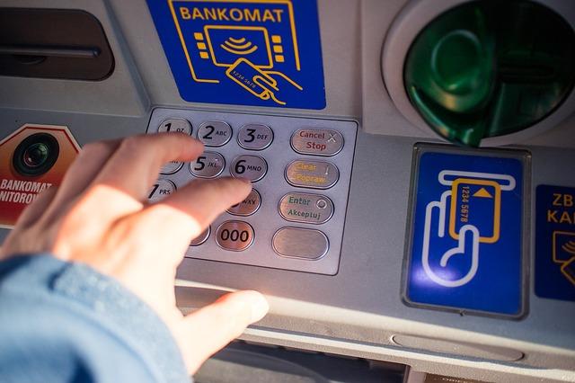 Banco Sabadell renueva más de 700 cajeros en España